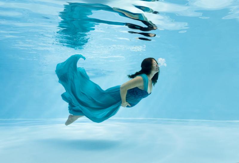 Photographe-grossesse-aquatique-aix-en-provence-marseille-pertuis